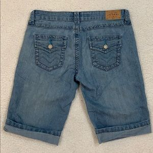 YMI Classic Style Bermuda Jean Shorts  Size 3